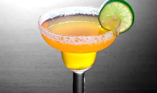 Cocktails en mesa